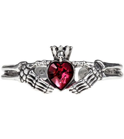 Claddagh By Night Bracelet