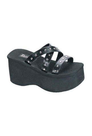 FUNN-19 Black Platform Sandals